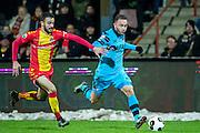 DEVENTER - 13-01-2017, Go Ahead Eagles - AZ,  Stadion Adelaarshorst, 1-3, GA Eagles speler Sebastien Locigno, AZ speler Muamer Tankovic.