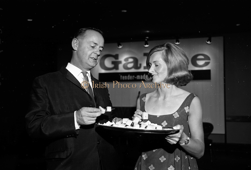 18/07/1967<br /> 07/18/1967<br /> 18 July 1967<br /> Galtee Food Products reception at the Intercontinental Hotel, Dublin. At the reception to launch the new range of 'tender-made' products produced at a new plant in Mitchelstown were (l-r): Mr. P.C. Kiely, Assistant manager, Galtee 'tender-made' Food Products and Miss Sally Roberts (Ballycotton), a demonstrator for Galtee Foods.