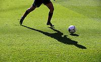 Fussball 1. Bundesliga :  Saison   2009/2010   7. Spieltag  26.09.2009 Eintracht Frankfurt - VfB Stuttgart Allgemein , BEINE , BALL , RASEN