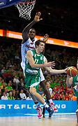 DESCRIZIONE : Kaunas Lithuania Lituania Eurobasket Men 2011 Quarter Final Round Spagna Slovenia Spain Slovenia<br /> GIOCATORE : Goran Dragic<br /> CATEGORIA : passaggio penetrazione<br /> SQUADRA : Slovenia<br /> EVENTO : Eurobasket Men 2011<br /> GARA : Spagna Slovenia Spain Slovenia<br /> DATA : 14/09/2011<br /> SPORT : Pallacanestro <br /> AUTORE : Agenzia Ciamillo-Castoria/T.Wiendesohler<br /> Galleria : Eurobasket Men 2011<br /> Fotonotizia : Kaunas Lithuania Lituania Eurobasket Men 2011 Quarter Final Round Spagna Slovenia Spain Slovenia<br /> Predefinita :
