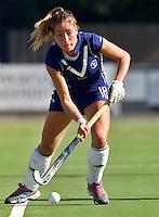 AMSTELVEEN - Sophie Klooster van Pinoke bij de RABO Hoofdklasse Dames-wedstrijd tussen Pinoke en Hurley (1-2).  FOTO KOEN SUYK  voor KNHB