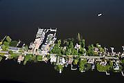 Nederland, Noord-Holland, Gemeente Wijdemeren, 25-05-2010. Oud-Loosdrecht, Loosdrechtsche Plassen, villa's en jachthaven, stacaravans en huisjes.Villas and marina, homes and cottages.luchtfoto (toeslag), aerial photo (additional fee required).foto/photo Siebe Swart