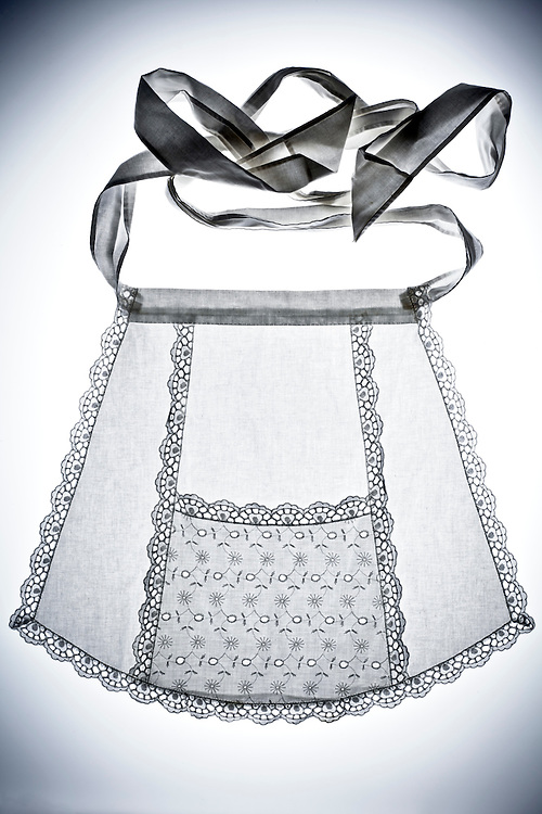 a housemaid skirt