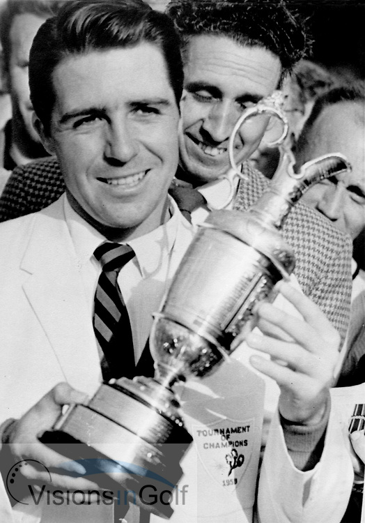 590720/ HONOURABLE COMPANY OF EDINBURGH GOLFERS<br /> MUIRFIELD, SCOTLAND/ PHOTO MARK NEWCOMBE/ THE OPEN CHAMPIONSHIP 1959<br /> <br /> GARY PLAYER with the trophy after winning<br /> Picture Credit: &copy;Visions In Golf