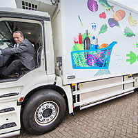 Nederland, Zaandam, 15 mei 2017.<br /> Ingebruikname eerste e-trucks voor Albert Heijn.<br /> De Amsterdamse wethouder Abdeluheb Choho, wethouder Duurzaamheid neemt de eerste van de twee e-trucks in gebruik die Albert Heijn-supermarkten in Amsterdam gaan bevoorraden.<br /> <br /> Foto: Jean-Pierre Jans<br /> <br /> The Netherlands, Zaandam, May 15, 2017. <br /> Commissioning of the first e-trucks for supermarket chain Albert Heijn. <br /> Photo: Jean-Pierre Jans