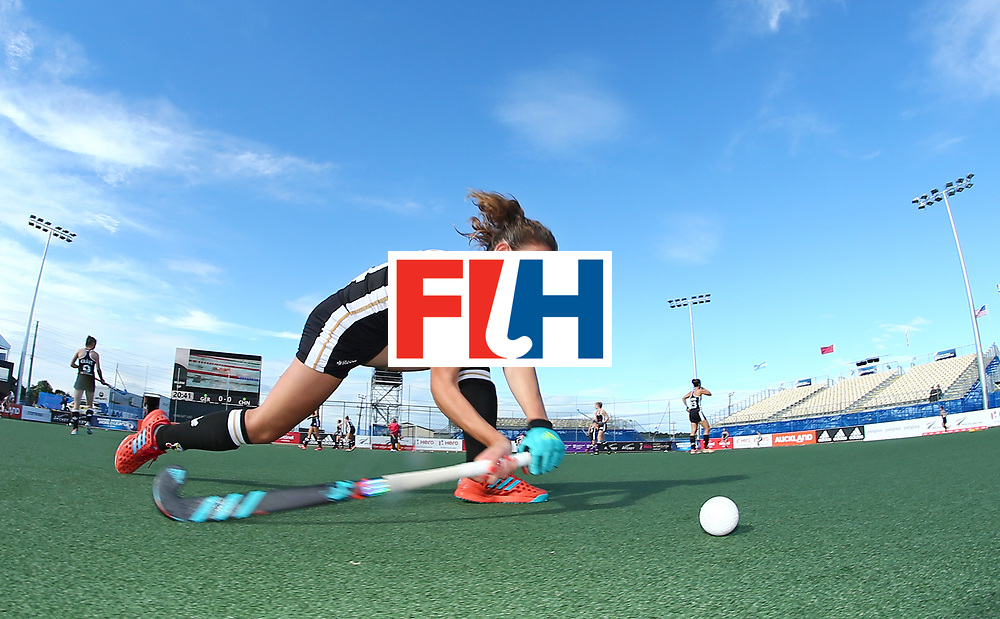 New Zealand, Auckland - 19/11/17  <br /> Sentinel Homes Women&rsquo;s Hockey World League Final<br /> Harbour Hockey Stadium<br /> Copyrigth: Worldsportpics, Rodrigo Jaramillo<br /> Match ID: 10297 - GER vs CHI<br /> Photo: (14) M&Uuml;LLER-WIELAND Janne (C)