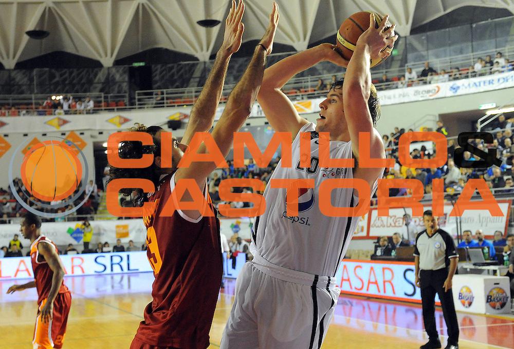 DESCRIZIONE : Roma Lega A 2011-12 Acea Roma Pepsi Caserta<br /> GIOCATORE : Aaron Doornekamp<br /> SQUADRA : Acea Roma<br /> EVENTO : Campionato Lega A 2011-2012 <br /> GARA : Acea Roma Pepsi Caserta<br /> DATA : 03/12/2011<br /> CATEGORIA : Tiro<br /> SPORT : Pallacanestro <br /> AUTORE : Agenzia Ciamillo-Castoria/GabrieleCiamillo<br /> Galleria : Lega Basket A 2011-2012 <br /> Fotonotizia : Roma Lega A 2011-12 Acea Roma Pepsi Caserta<br /> Predefinita :