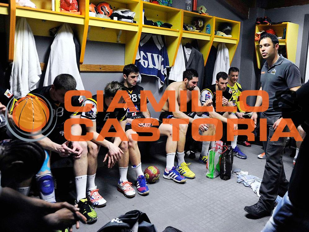DESCRIZIONE :  Hand  <br /> GIOCATORE : Nikola Karabatic Jeremy Roussel<br /> SQUADRA : Aix en Provence<br /> EVENTO : Hand <br /> GARA : Aix En Provence Cesson<br /> DATA : 11/04/2013<br /> CATEGORIA : Vestiaire<br /> SPORT : Handball<br /> AUTORE : JF Molliere <br /> Galleria : France Hand 2012-2013 Action<br /> Fotonotizia : Hand <br /> Predefinita :