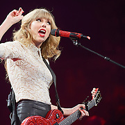 Taylor Swift, Scottrade Center (2013-03-18)