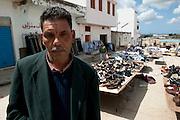 Sejenane is a forgotten city: 63% unemployment, poverty is widespread..Here the market for second hand clothes were the inhabitants try to dress. Sejenane is in the grip of violent Salafis who rule here since April 2011.<br /> <br /> <br /> ..Sejenane est sous l'emprise des  Salafistes violents qui y font la loi et y ont installé un régime de terreur depuis avril 2011. .Sejenane est une ville oubliée: 63 % de chomage, la pauvreté est omniprésente. Ici le marché des fripes ou des habitant cherchent à se habiller.