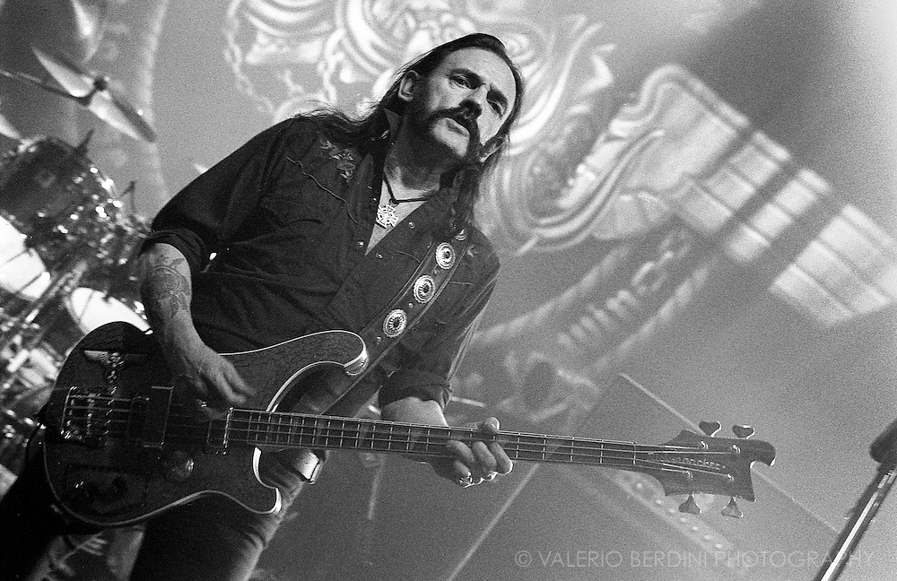 Lemmy of Motörhead live at the Cambridge Corn Exchange on 20 November 2005