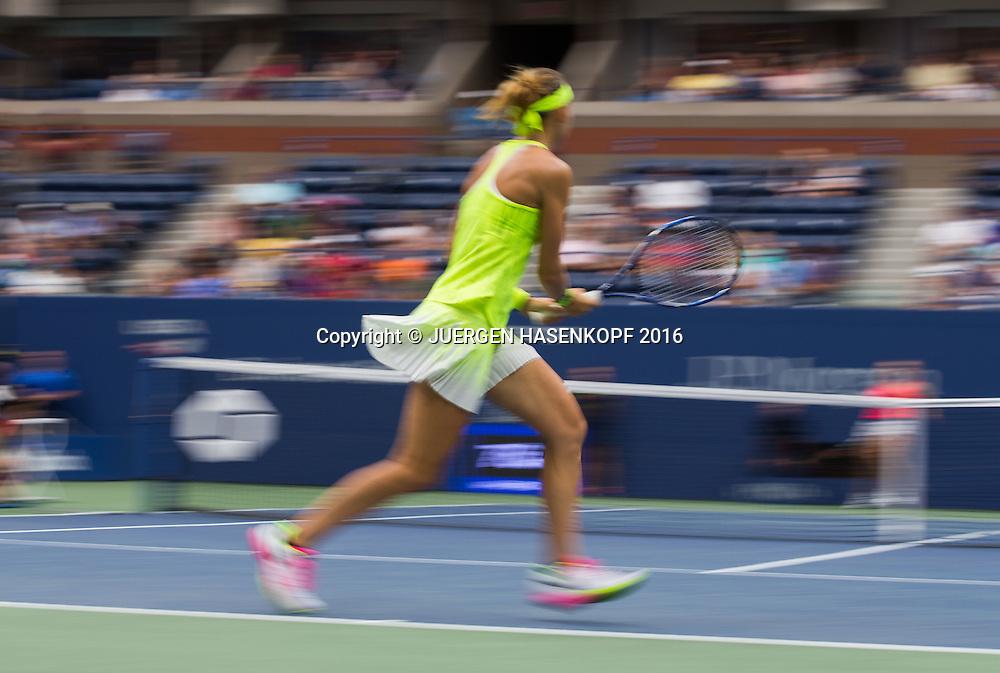 LUCIE SAFAROVA (CZE), Bewegungsunschaerfe,Mitzieher,<br /> <br /> <br /> Tennis - US Open 2016 - Grand Slam ITF / ATP / WTA -  USTA Billie Jean King National Tennis Center - New York - New York - USA  - 1 September 2016.