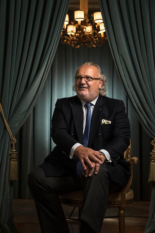 Alain Duménil, Ancien banquier à la tête d'un groupe actif dans le luxe et l'immobilier en France (Acanthe Développement) et en Suisse (Dual Holding), et dans la sous-traitance aeronautique (AD Industrie), propriétaire du journal l'AGEFI. Il est actuellemement accusé d'avoir soustrait 54 millions de francs suisses au fisc. Genève, le 18 août 2014. © Niels Ackermann / Lundi13