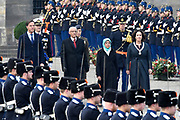 Staatsbezoek president Republiek Singapore Kranslegging op de dam in Amsterdam met Minister president Mark Rutte , burgemeester van Amsterdam Femke Halsema , president Halimah Yacob van de Republiek Singapore en haar echtgenoot Mohamed Abdullah Alhabshee<br /> <br /> State visit to the President of Singapore Kranslegging on the dam in Amsterdam with Prime Minister Mark Rutte, mayor of Amsterdam Femke Halsema, President Halimah Yacob of the Republic of Singapore and her husband Mohamed Abdullah Alhabshee