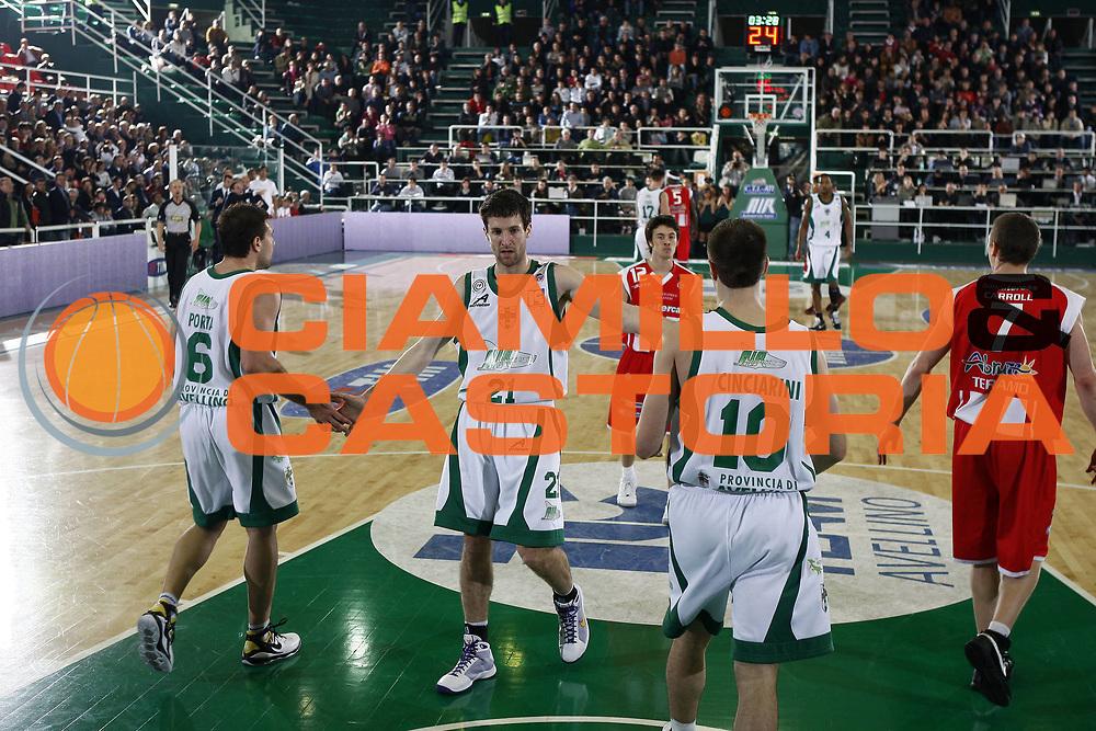 DESCRIZIONE : Avellino Lega A 2008-09 Air Avellino Bancatercas Teramo<br /> GIOCATORE : Antonio Porta Daniele Cinciarini Drake Diener<br /> SQUADRA : Air Avellino<br /> EVENTO : Campionato Lega A 2008-2009 <br /> GARA : Air Avellino Bancatercas Teramo<br /> DATA : 18/04/2009<br /> CATEGORIA : esultanza<br /> SPORT : Pallacanestro <br /> AUTORE : Agenzia Ciamillo-Castoria/E.Castoria