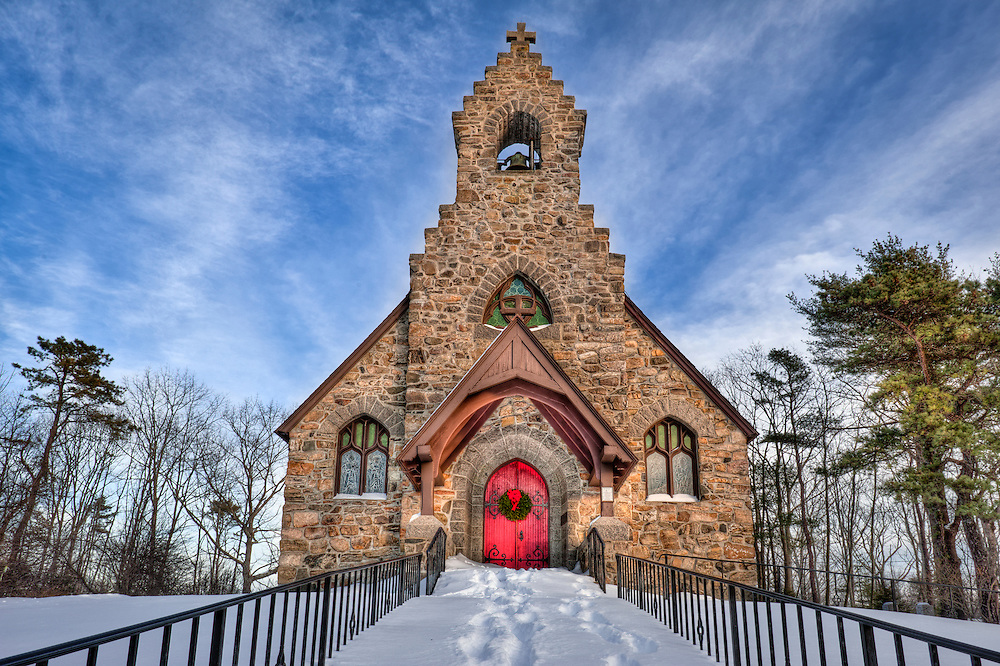 Winter closes St. Peters by the Sea church in Ogunquit, Maine