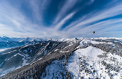 05.02.2018, Zell am See - Kaprun, AUT, BalloonAlps, im Bild ein Heissluftballon bei seiner Fahrt über den Alpen bei der Schmitten und dem Kitzsteinhorn // a hot air balloon on his ride over the Alps during the International Balloonalps Week, Zell am See Kaprun, Austria on 2018/02/05. EXPA Pictures © 2018, PhotoCredit: EXPA/ JFK