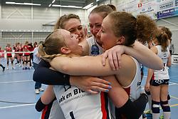 20190424 NED: Sliedrecht Sport - VC Sneek: Sliedrecht<br /> Sliedrecht Sport Nederlands Kampioen Volleybal Seizoen 2018 - 2019, Fleur Savelkoel (6), Christie Wolt (1), Carlijn Ghijssen - Jans (10), Ana Rekar (11) of Sliedrecht Sport <br /> ©2019-FotoHoogendoorn.nl / Pim Waslander