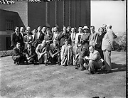 01/05/1958<br /> 05/01/1958<br /> 01 May 1958 <br /> Party of 30 U.S. journalists visit the Guinness Brewery, St. James's Gate, Dublin. The group pose for photo outside the brewery.