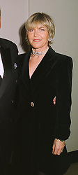 ROSEMARY, MARCHIONESS OF NORTHAMPTON, at a dinner in London on 30th November 1998.MMK 32 WO