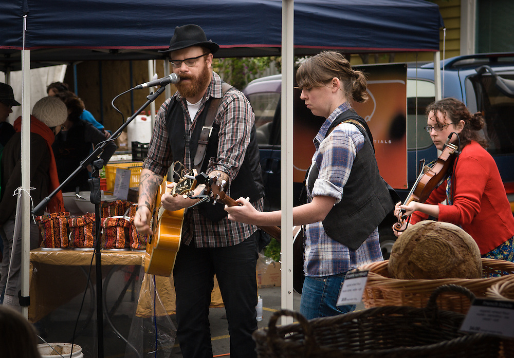 Lyttleton alt-country band 'The Eastern' busking at the local farmer's market in 2009