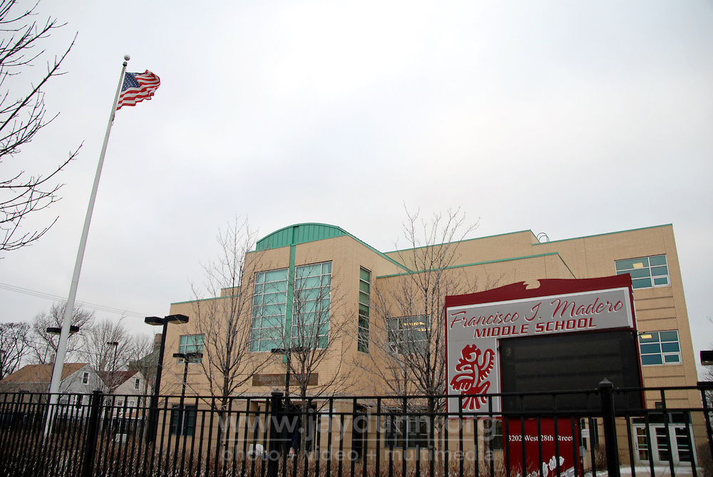 "USA, Chicago, IL, January 26, 2010.   Concentrating on four crucial areas, ""Education, Violence Prevention, Cultural Enrichment, and Economic Development,"" ENLACE Chicago tries to make a positive difference to the residents of the predominantly Latino neighborhood of Little Village. Partnered with Francisco Madero Middle School, for example, ENLACE runs a comprehensive program that successfully integrates the day school with ""after-school,"" offering academic help with homework, strategies for reading, and a full schedule until 6:00 PM of enrichment programs like culinary arts, music and audio production, and contemporary dancing. Through this kind of direct outreach to more than 5,000 participants in schools and clubs, ENLACE creates opportunities and improves development in this underserved Chicago community. Photo for Hoy by Jay Dunn."