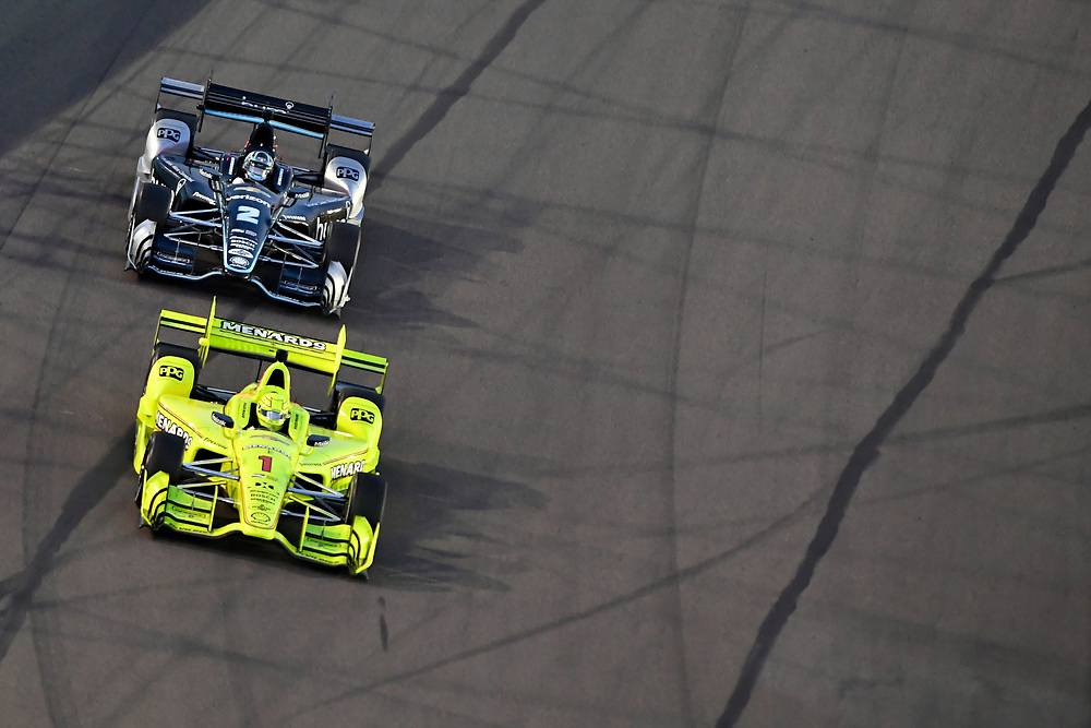 Verizon IndyCar Series<br /> Desert Diamond West Valley Phoenix Grand Prix<br /> Phoenix Raceway, Avondale, AZ USA<br /> Saturday 29 April 2017<br /> Simon Pagenaud, Team Penske Chevrolet, Josef Newgarden, Team Penske Chevrolet<br /> World Copyright: Scott R LePage<br /> LAT Images<br /> ref: Digital Image lepage-170429-phx-3776