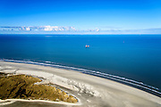 Nederland, Friesland, Ameland, 28-02-2016; uiterste oostpunt van het eiland met Het Oerd, de Oerderduinen en De Hon. Productieplatform voor aardgas van de NAM in het verschiet.<br /> Eastern extremity of the wadden island Ameland.<br /> <br /> luchtfoto (toeslag op standard tarieven);<br /> aerial photo (additional fee required);<br /> copyright foto/photo Siebe Swart