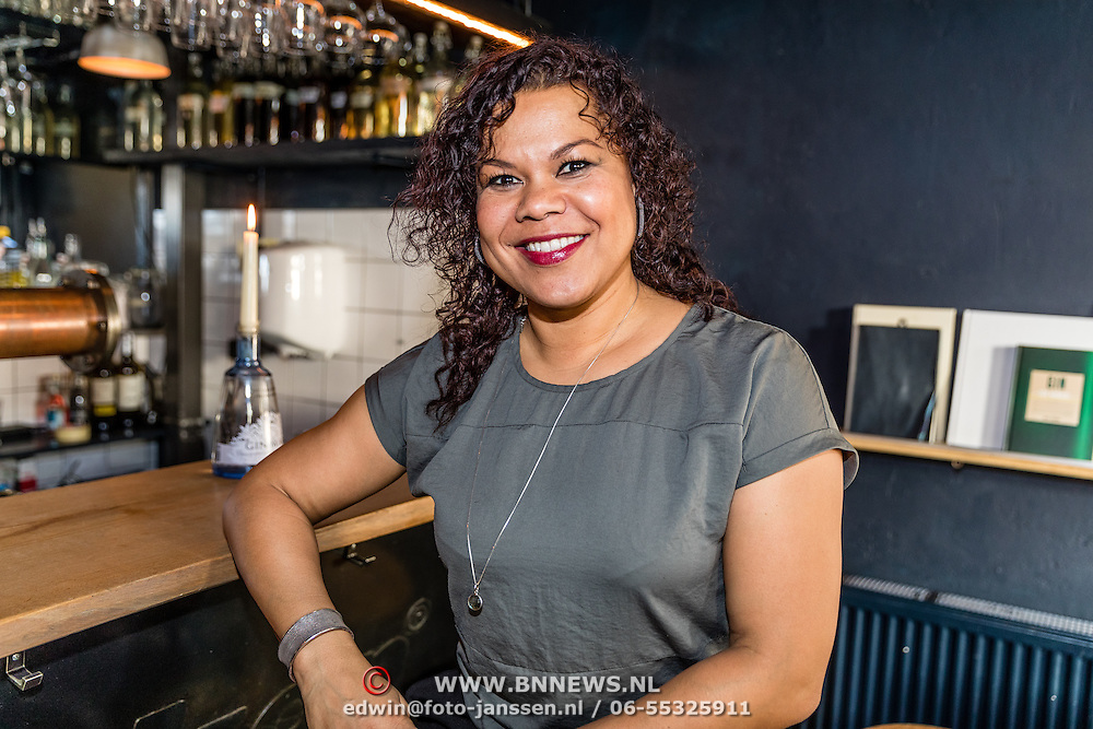 NLD/Amsterdamt/20170111 - Nieuwjaarsborrel Opvliegers 2, Anousha Nzume