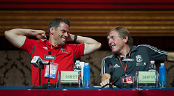 GUANGZHOU, CHINA - Monday, July 11, 2011: Jet-lagged Liverpool's Jamie Carragher and manager Kenny Dalglish during a press conference at the Chateau Star River Hai Yi Peninsula during the club's Asia Tour. (Photo by David Rawcliffe/Propaganda)