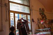Roma, 20/05/2016: Il reparto degenza del dipartimento di Neuropsichiatria infantile al Grande Cocomero, Associazione che opera nel campo della psichiatria dell'et&agrave; evolutiva - Early Psychosis ward of Child Neuro Psychiatry visiting &quot;Il Grande Cocomero&quot;.<br /> &copy;Andrea Sabbadini