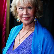 NLD/Amsterdam/20100801 - Inloop premiere musical Crazy Shopping, Sheila de Vries