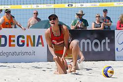 20140605 ITA: EK Beachvolleybal, Cagliari<br /> Marleen van Iersel viert een gewonnen punt uitbundig<br /> ©2014-FotoHoogendoorn.nl / Pim Waslander