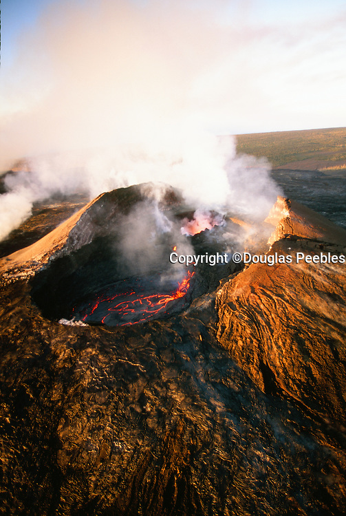 Pu'u O'O Vent, Kilauea Volcano, Big Island of Hawaii, Hawaii