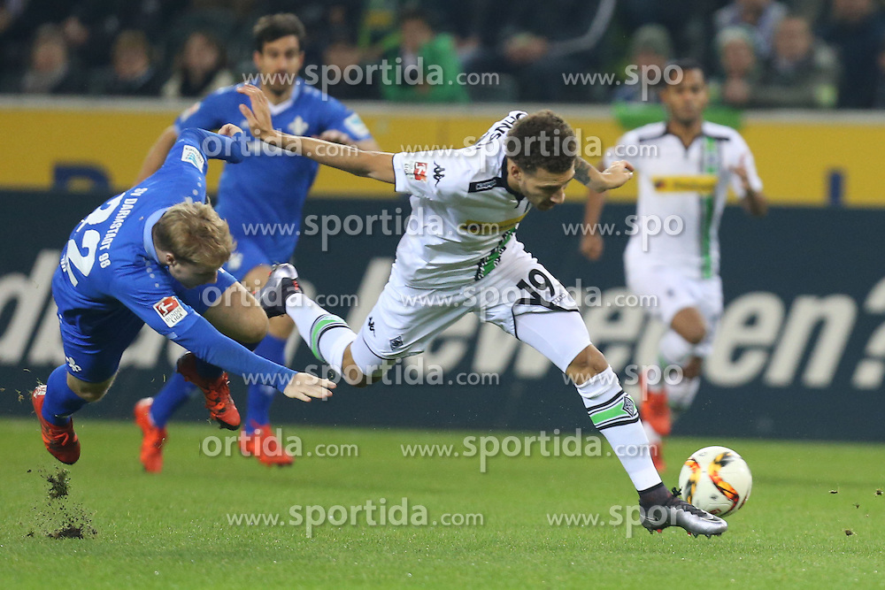20.12.2015, Stadion im Borussia Park, Moenchengladbach, GER, 1. FBL, Borussia Moenchengladbach vs SV Darmstadt 98, 17. Runde, im Bild v.l. Fabian Holland (#32, SV Darmstadt 98) mit Fabian Johnson (#19, Borussia Moenchengladbach) // during the German Bundesliga 17th round match between Borussia Moenchengladbach andSV Darmstadt 98 at the Stadion im Borussia Park in Moenchengladbach, Germany on 2015/12/20. EXPA Pictures &copy; 2015, PhotoCredit: EXPA/ Eibner-Pressefoto/ Deutzmann<br /> <br /> *****ATTENTION - OUT of GER*****