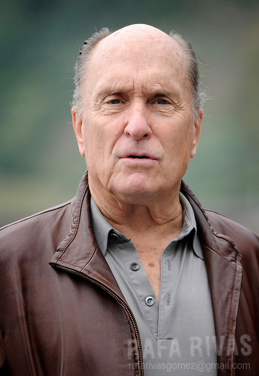 "US actor Robert Duvall poses for photographers at Kursaal Palace, after the screening of Aaron Schneider's film ""Get Low"", in the 57th San Sebastian International Film Festival, on September 22, 2009, in San Sebastian, North of Spain.  PHOTO/Rafa Rivas"