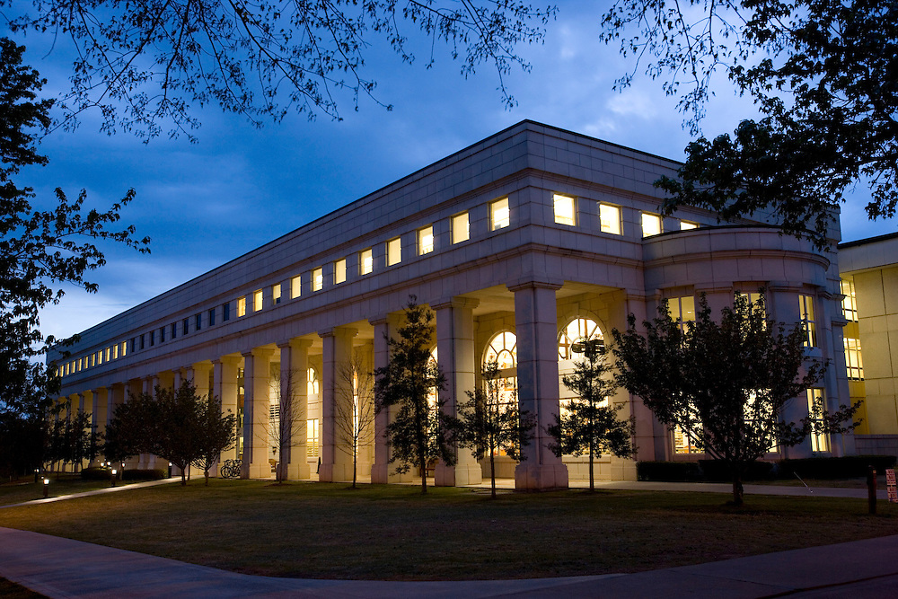 FAYETTEVILLE, AR - April 11:  The David W. Mullins Library building on the campus of the University of Arkansas on April 11, 2007 in Fayetteville, Arkansas.   (Photo by Wesley Hitt/Getty Images) *** Local Caption ***