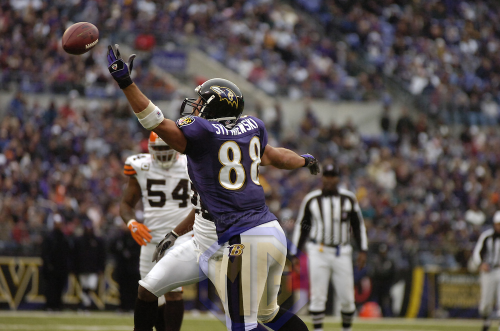 18 November 2007:  Baltimore Ravens tight end Quinn Sypniewski (88) cannot hang on to a pass in the first half against the Cleveland Browns on November 18, 2007 at M&T Bank Stadium in Baltimore, Maryland. The Ravens were sent to their 4th consecutive loss with a 33-30 overtime time win by the Browns..