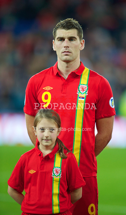 CARDIFF, WALES - Tuesday, September 10, 2013: Wales' Sam Vokes before the 2014 FIFA World Cup Brazil Qualifying Group A match against Serbia at the Cardiff CIty Stadium. (Pic by David Rawcliffe/Propaganda)