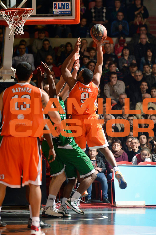 DESCRIZIONE : Championnat de France Pro a Antares Le Mans<br /> GIOCATORE : Victor Cuthbert<br /> SQUADRA : Le Mans<br /> EVENTO : Pro A <br /> GARA : Le Mans Nanterre<br /> DATA : 09/02/2013<br /> CATEGORIA : Basketball France Homme<br /> SPORT : Basketball<br /> AUTORE : JF Molliere<br /> Galleria : France Basket 2012-2013 Action<br /> Fotonotizia : Championnat de France Basket Pro A<br /> Predefinita :