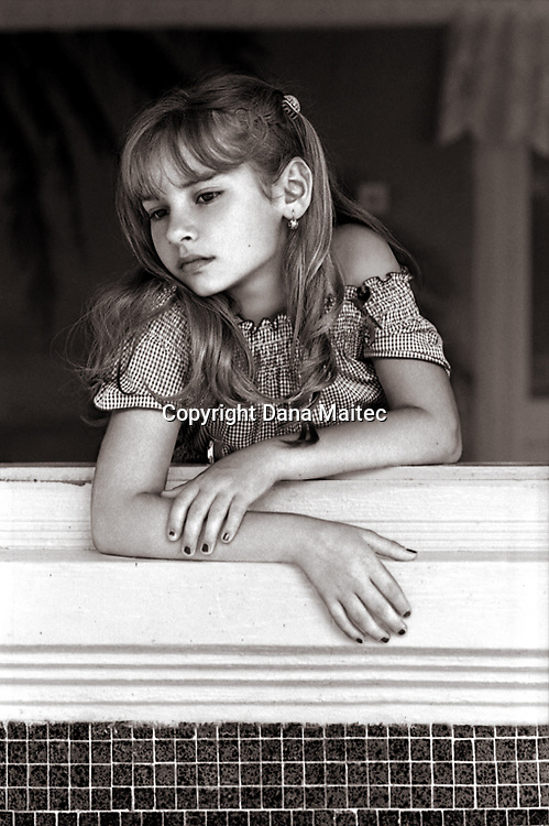 Paris and NY photographer. B&W portrait photography. Kids.