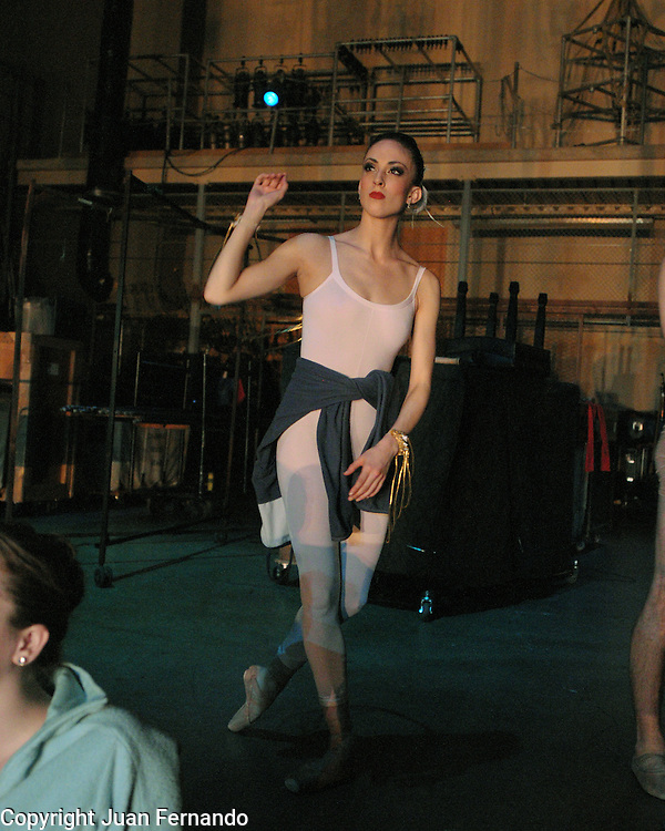 Amanda Peet, Carmina Burana Day 3 by the Sacramento Ballet. March 2010