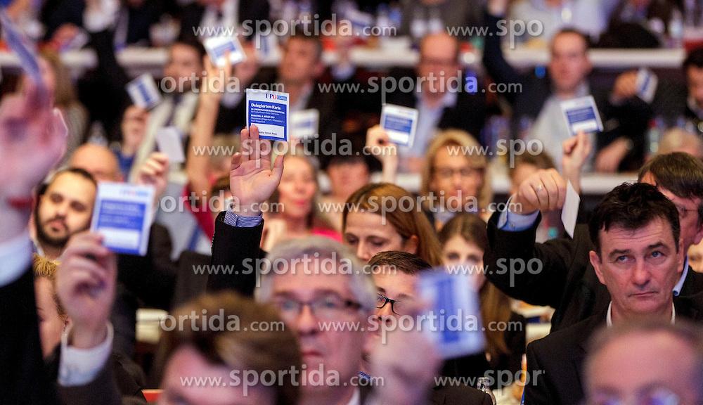 04.03.2017, AUT, FPÖ, 32. Ordentlicher Bundesparteitag, im Bild Delegierte //  at the 32nd Ordinary Party Convention of the Freiheitliche Partei Oesterreich (FPÖ) in Klagenfurt, Austria on 2017/03/04. EXPA Pictures © 2017, PhotoCredit: EXPA/ Wolgang Jannach