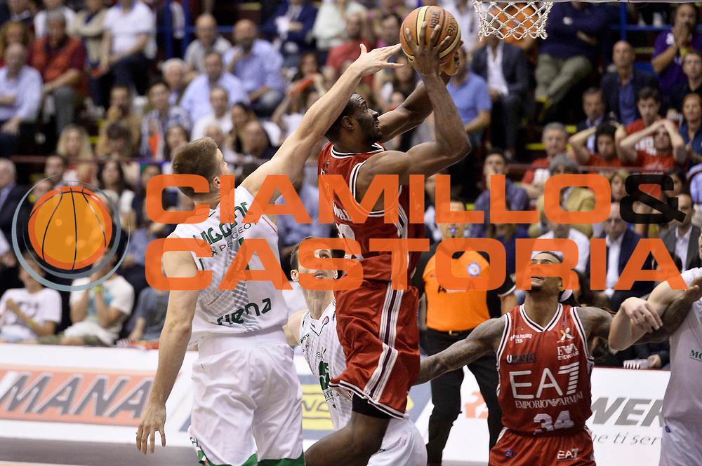 DESCRIZIONE : Milano Lega A 2013-14 EA7 Emporio Armani Milano vs Montepaschi Siena playoff Finale gara 5<br /> GIOCATORE : Gani Lawal<br /> CATEGORIA : Tiro Difesa Sequenza<br /> SQUADRA : EA7 Emporio Armani Milano<br /> EVENTO : Finale gara 5 playoff<br /> GARA : EA7 Emporio Armani Milano vs Montepaschi Siena playoff Finale gara 5<br /> DATA : 23/06/2014<br /> SPORT : Pallacanestro <br /> AUTORE : Agenzia Ciamillo-Castoria/GiulioCiamillo<br /> Galleria : Lega Basket A 2013-2014  <br /> Fotonotizia : Milano Lega A 2013-14 EA7 Emporio Armani Milano vs Montepaschi Siena playoff Finale gara 5<br /> Predefinita :