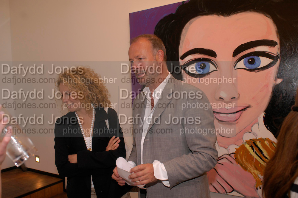 'Stellawood' exhibition of work by Stella Vine, Hamiltons. Carlos Place. London. 22 June 2005. ONE TIME USE ONLY - DO NOT ARCHIVE  © Copyright Photograph by Dafydd Jones 66 Stockwell Park Rd. London SW9 0DA Tel 020 7733 0108 www.dafjones.com
