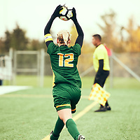 3rd year defender, Lauren Petras (12) of the Regina Cougars during the Women's Soccer home game on Sun Sep 23 at U of R Field. Credit: Arthur Ward/Arthur Images