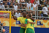 Footbal-FIFA Beach Soccer World Cup 2006 -BRA x USA -Junior Neg&atilde;o and Buru celebrates the goal  - Rio de Janeiro, Brazil - 07/11/2006.<br />