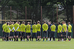 26.05.2011, Trainingsgelaende Werder Bremen, Bremen, GER, 1.FBL, Training Werder Bremen, im Bild Mannschaftsbesprechung   EXPA Pictures © 2011, PhotoCredit: EXPA/ nph/  Frisch       ****** out of GER / SWE / CRO  / BEL ******