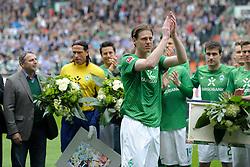 05.05.2012, Weserstadion, Bremen, GER, SV Werder Bremen vs Schalke 04, 34. Spieltag, im Bild Tim BOROWSKI ( Werder Bremen ) bedankt sich bei den Fans, waehrend seiner Verabschiedung. // during the German Bundesliga Match, 34th Round between SV Werder Bremen and Schalke 04 at the Weserstadium, Bremen, Germany on 2012/05/05                                                                . EXPA Pictures © 2012, PhotoCredit: EXPA/ Eibner/ Stefan Schmidbauer..***** ATTENTION - OUT OF GER *****