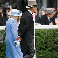 ASCOT, ENGLAND - JUNE 20:  HM The Queen and HRH Prince Philip The Duke of Edinburgh arrive with the Royal Procession at  the fifth and final day of Royal Week at Ascot Racecourse on June 20, 2009 in Ascot, England  (Photo by Marco Secchi/Getty Images)